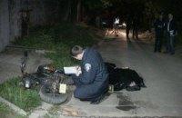 ДТП у Києві: чоловік на мотоциклі не побачив натягнутого ланцюга