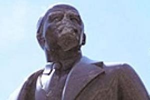В Киеве началась реставрация памятника Ленину