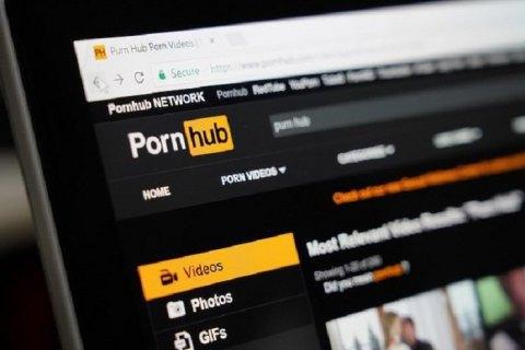 Женщины массово судятся с Pornhub из-за опубликованных видео с ними