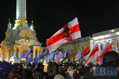 Украинцы питают наиболее теплые чувства к Польше и Беларуси