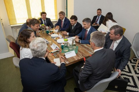 Зеленський пообіцяв особисто контролювати процес залучення німецького бізнесу в Україну
