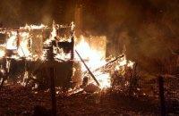 На Київщині згорів дерев'яний будинок, загинув чоловік