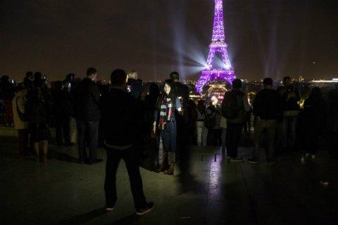 Французская милиция оцепила Эйфелеву вышку иэвакуировала Северный вокзал встолице франции