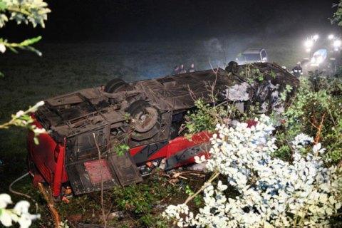 Автобус з українцями зірвався з 30-метрового схилу в Польщі, є загиблі