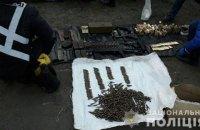 Нацполіція вилучила арсенал зброї з гаража в Маріуполі