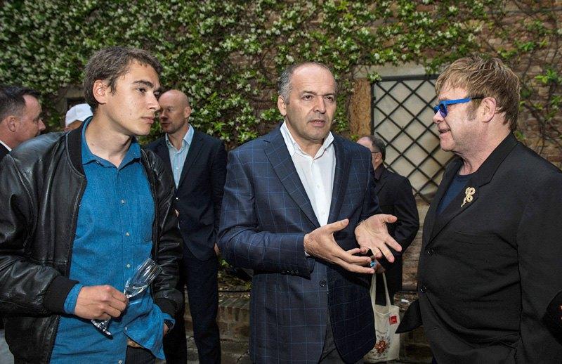 Никита Кадан, Виктор Пинчук, Элтон Джон на открытии проекта