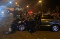 На Броварському проспекті легковик зіткнувся з автобусом, шестеро осіб постраждали