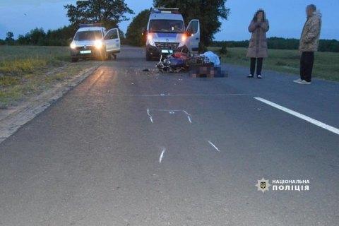 На дорозі біля Ратного зіткнулися два мотоцикли, один водій загинув