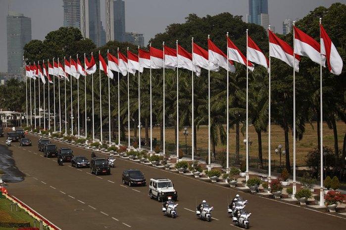 Кортеж президента Індонезії Джоко Відодо прибуває на його інавгурацію на другий термін в Джакарті, 20 жовтня 2019 р.