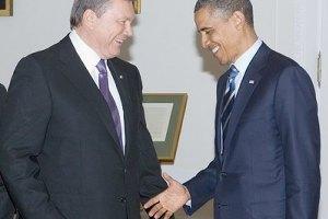 Янукович поздравил Обаму с Днем независимости США