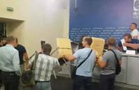 Під час нападу на Укрінформ постраждали троє журналістів, - НСЖУ