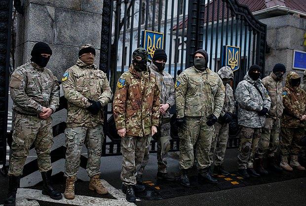 Осень 2014 года. Самый первый протест айдаровцев под стенaми Минобороны