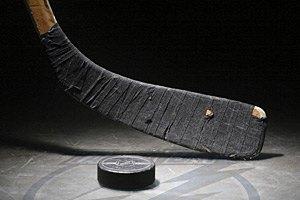 У чемпіонаті України з хокею готові брати участь тільки 2 клуби