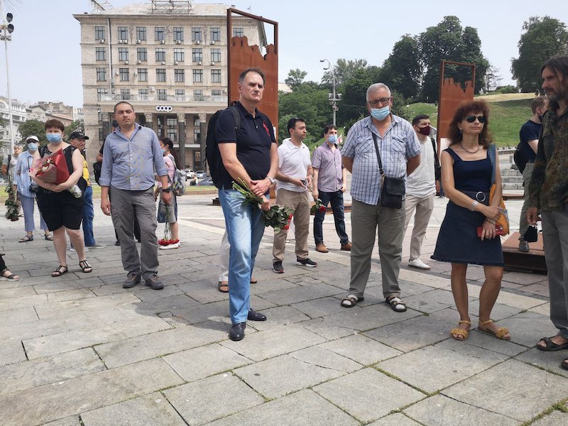 Прощание организовали на Майдане Незалежности