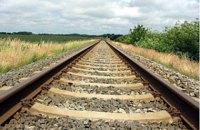 В Харьковской области грузовой поезд сбил мужчину