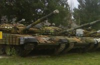 Міноборони вивезло всі танки з бази резерву в Артемівську