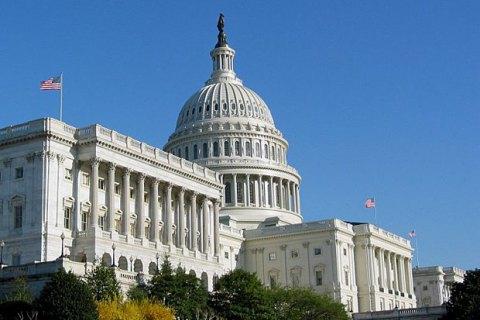 В США неизвестные пригрозили направить самолет в здание Капитолия