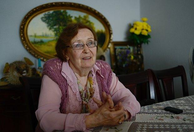 Галина Андреевна имеет в себе мужество признать, что кое-что подправила бы в своей жизни. Например, получила бы другую профессию - стала бы медиком