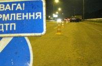 Под Киевом BMW 5 протаранил грузовик ЗИЛ