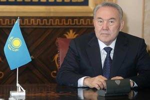 Назарбаев вернулся в Казахстан