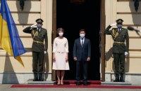 У Києві відбулася офіційна церемонія зустрічі президентів України та Швейцарії