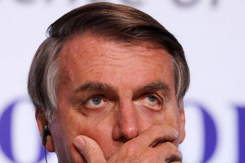 """Болсонару призвал граждан Бразилии не относиться к пандемии """"как гомосексуалисты"""""""
