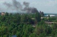 В Донецке из-за обстрела загорелся рынок возле ж/д вокзала
