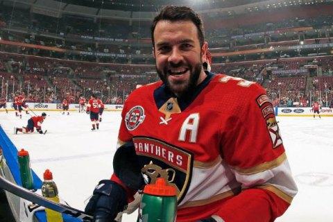 Хоккеист'Флориды Пантерз лишился 9 зубов после попадания шайбы в лицо попутно установив рекорд сезона в НХЛ
