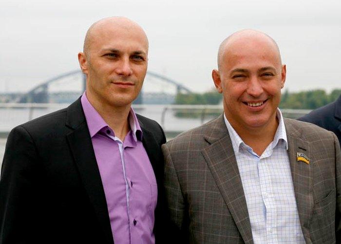 Олександр (ліворуч) та Володимир Гончарови