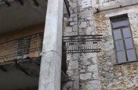 Семье девочки, погибшей из-за падения балкона, выделили 100 тыс. гривен
