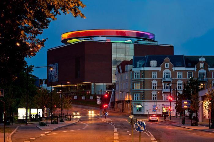 Олафур Элиассон. Your rainbow panorama, 2011