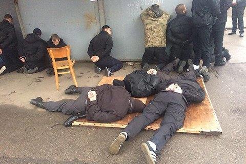 """Вооруженные лица пытались захватить рынок """"Колос"""" в Николаеве"""