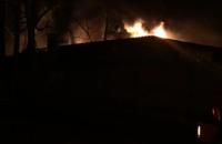 У Ворзелі загорілися склади з військовою екіпіровкою