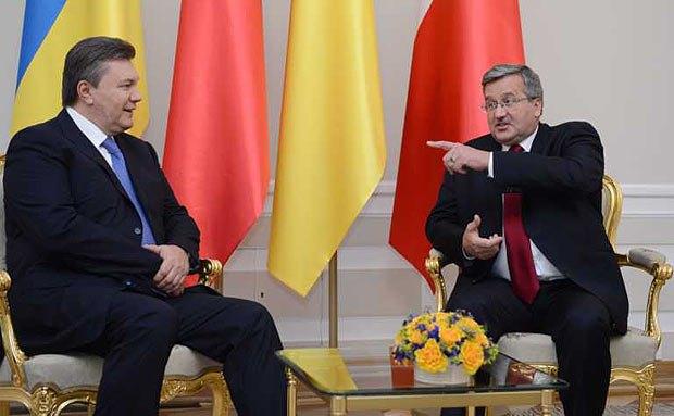Янукович успел провести закрытую встречу с Брониславом Коморовским