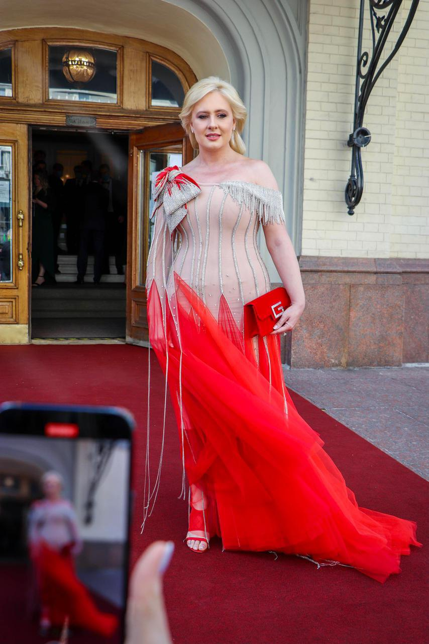 Инна Костяря в сукні від бренду Frolov. Фото з Instagram Інни Костирі.