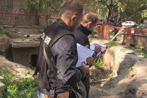 В Киеве в канализационном коллекторе обнаружили обезглавленное тело