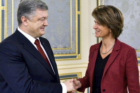 Порошенко обсудил с гендиректором Engie проекты модернизации газовых хранилищ и ГТС Украины