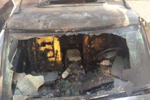 Неизвестные сожгли два автомобиля волонтеров в Харькове