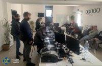 СБУ заблокувала у Вінниці мережу підпільних call-центрів, які щомісяця ошукували українців на 7 млн грн