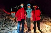 На Прикарпатье заблудилась туристка, которая ушла одна в горы
