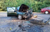 В лобовом ДТП возле Хотина погиб человек, еще семь госпитализированы