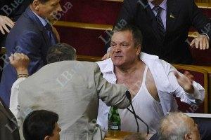 Янукович стурбований низькою культурою депутатів