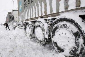 В Днепропетровской области 60 фур спасли из снежных заносов