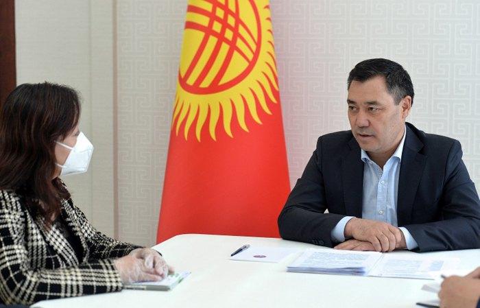 Встреча И.о. президента Кыргызстана Садыра Жапарова и посла Китая Ду Дэвэнь