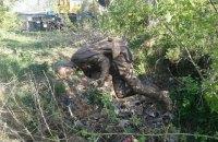 Похищенный в Нежине памятник Бернесу нашли в поле за городом