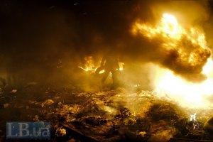 Будинок профспілок знову горить, на Хрещатику згасло світло