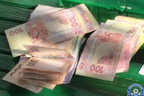 В Полтаве следователи ГБР задержали патрульных при получении 4 тыс. гривен взятки