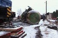 В Сумской области 27 вагонов грузового поезда сошли с рельсов