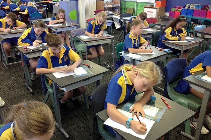 Учні Брісбена здають тест NAPLAN