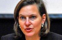 Виктория Нуланд заявила оппозиции, что санкций США не будет